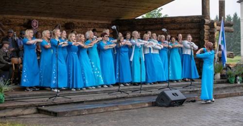 Laulukoorile kleidid